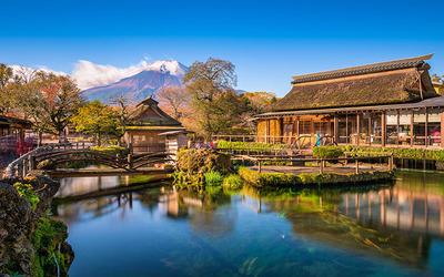 Ngôi làng cổ Oshino Hakkai